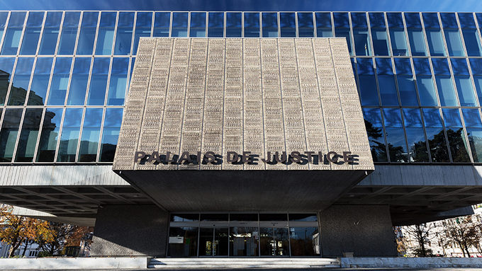 Annecy-Palais-Justice-1-L-Oeil_d-Edouard.jpg